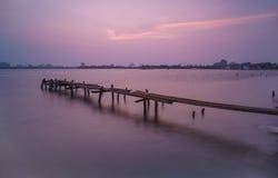 Puesta del sol en el lago del oeste Foto de archivo libre de regalías