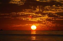 Puesta del sol en el lago Michigan Foto de archivo