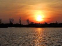 Puesta del sol en el lago Palic imágenes de archivo libres de regalías