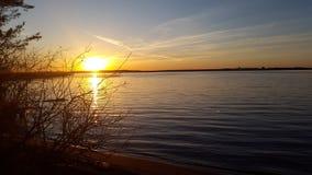 Puesta del sol en el lago Seliger foto de archivo libre de regalías