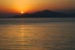 Puesta del sol en el lago Sevan, Armenia Imágenes de archivo libres de regalías