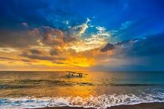 Puesta del sol en el Lombok Indonesia foto de archivo libre de regalías