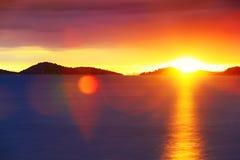 Puesta del sol en el mar adriático Fotos de archivo libres de regalías