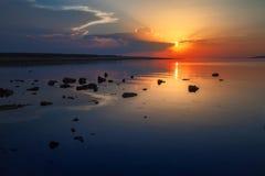 Puesta del sol en el mar adriático Fotos de archivo