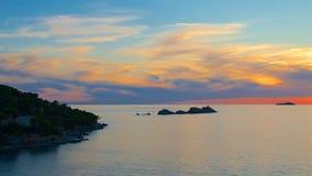 Puesta del sol en el mar adriático en Croacia Imágenes de archivo libres de regalías