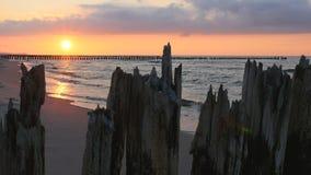 Puesta del sol en el mar Báltico almacen de video