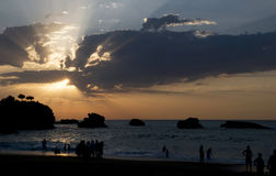 Puesta del sol en el mar cántabro Fotografía de archivo libre de regalías