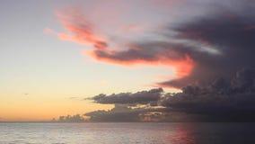 Puesta del sol en el mar del Caribe República Dominicana almacen de metraje de vídeo