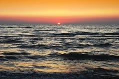 Puesta del sol en el mar de Adreatic Imagenes de archivo
