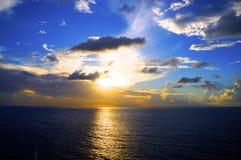 Puesta del sol en el mar del Caribe Fotografía de archivo