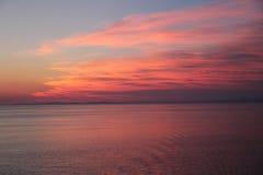Puesta del sol en el mar Mediterráneo Fotografía de archivo libre de regalías