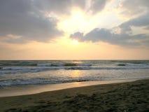 Puesta del sol en el mar toscano Imágenes de archivo libres de regalías