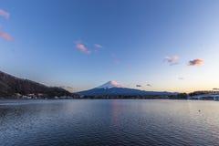 Puesta del sol en el monte Fuji Kawaguchiko Foto de archivo