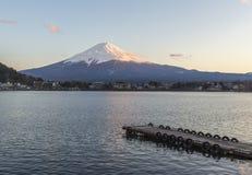 Puesta del sol en el monte Fuji Kawaguchiko Fotos de archivo libres de regalías
