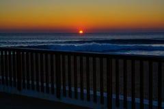 Puesta del sol en el océano Fotografía de archivo libre de regalías