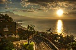 Puesta del sol en el océano Imágenes de archivo libres de regalías