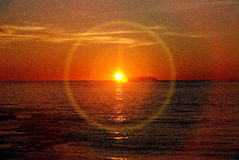 Puesta del sol en el Océano Pacífico fotos de archivo libres de regalías