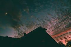 Puesta del sol en el país fotos de archivo