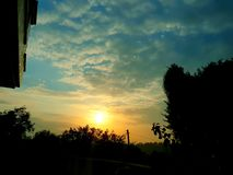 Puesta del sol en el país imágenes de archivo libres de regalías