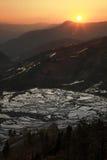 Puesta del sol en el paddyfield de la terraza de Hani Fotografía de archivo