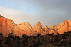 Puesta del sol en el parque nacional de Zion Fotos de archivo