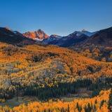 Puesta del sol en el pico de capital imagen de archivo libre de regalías