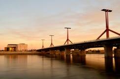 Puesta del sol en el puente del czi del ³ del kà del ¡de Rà en Budapest Fotos de archivo libres de regalías