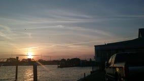 Puesta del sol en el puerto deportivo imagen de archivo libre de regalías
