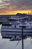 Puesta del sol en el puerto/el puerto Imagenes de archivo