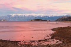 Puesta del sol en el puerto reservado, lago general Carrera, Chile Foto de archivo libre de regalías