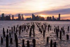 Puesta del sol en el río de Hudson Foto de archivo