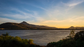 Puesta del sol en el río Mekong Foto de archivo