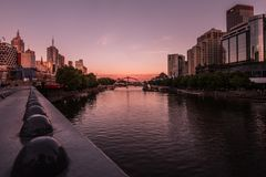 Puesta del sol en el río Melbourne de Yarra Imagenes de archivo