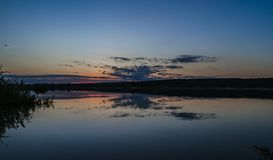 Puesta del sol en el río Volga en Kazán Fotos de archivo