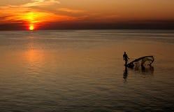 Puesta del sol en el sonido de Pamlico. Foto de archivo libre de regalías