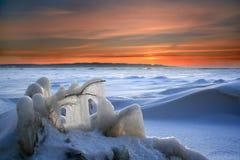 Puesta del sol en el yermo helado Fotografía de archivo libre de regalías