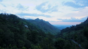 Puesta del sol en Ella, Sri Lanka Timelapse metrajes