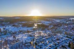 Puesta del sol en foto del abejón de Smedjebacken foto de archivo