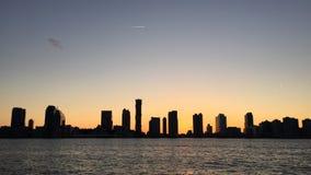 Puesta del sol en Hudson River imagenes de archivo