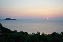Puesta del sol en Koh Pangan Imágenes de archivo libres de regalías