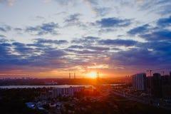 Puesta del sol en Kyiv, Ucrania Imagenes de archivo