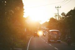 Puesta del sol en la aldea Fotos de archivo