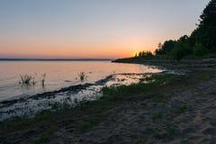 Puesta del sol en la bahía Fotografía de archivo libre de regalías