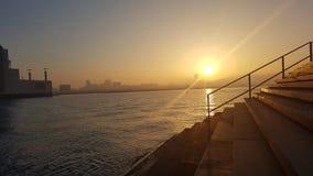 Puesta del sol en la bahía de Doha Fotos de archivo libres de regalías