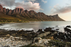 Puesta del sol en la bahía de Kogel - Cape Town Imágenes de archivo libres de regalías