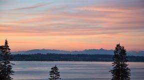 Puesta del sol en la bahía del abedul, Washington Fotografía de archivo libre de regalías