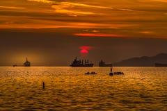 Puesta del sol en la bahía inglesa imagenes de archivo