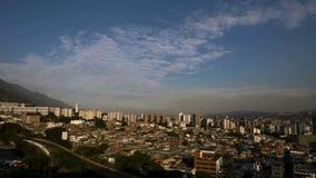 Puesta del sol en la ciudad de Caracas, Venezuela metrajes