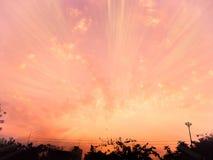 Puesta del sol en la ciudad Tailandia Fotos de archivo libres de regalías