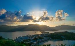 Puesta del sol en la colina del finger, Hong Kong Peng Chau Fotografía de archivo